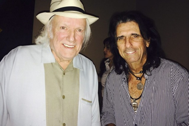Dick Wagner et Alice Cooper en juin dernier.... (Photo: archives AP)