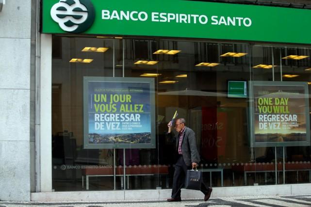 Emportée par la nouvelle dégringolade de Banco Espirito... (Photo Francisco Seco, archives Associated Press)