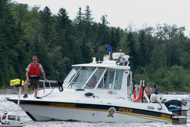 Les policiers de la Sûreté du Québec distribueront... (PHOTO STEEVE TREMBLAY, ARCHIVES LE QUOTIDIEN)