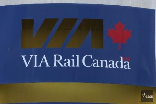 Le service des trains de Via Rail a repris normalement samedi matin sur les... (PHOTO ARCHIVES LA PRESSE)