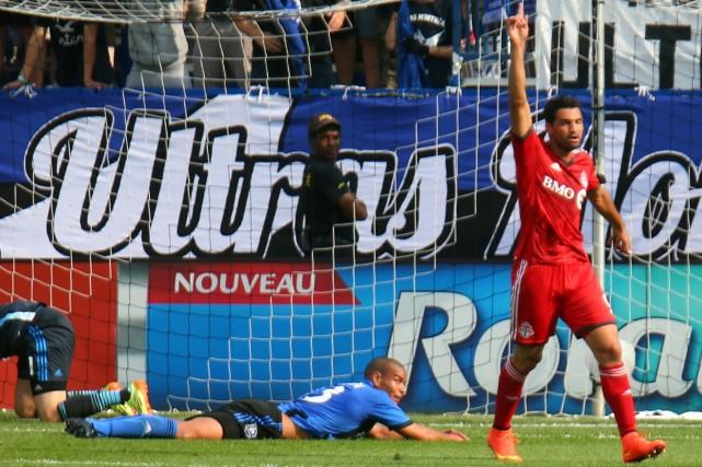 L'attaquantduToronto FCGilberto festoie après avoir compté en première... (Photo Jean-Yves Ahern, USA Today)