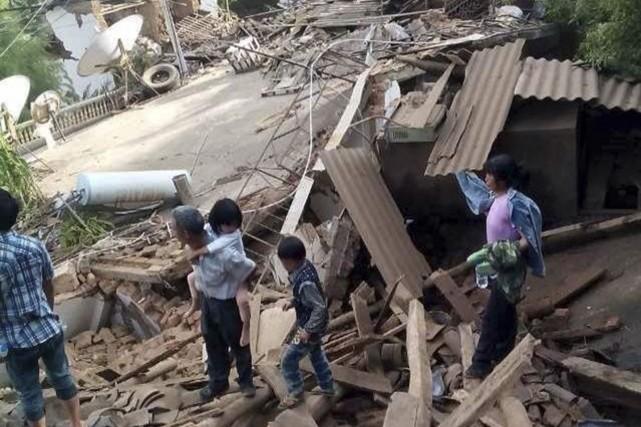 Plus de 12000 foyers se sont effondrés, et... (PHOTO CHINA DAILY, REUTERS)