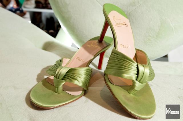 Dans son placard, les chaussures de luxe s'entassent; les stilettos à talons... (PHOTO ALAIN ROBERGE, ARCHIVES LA PRESSE)