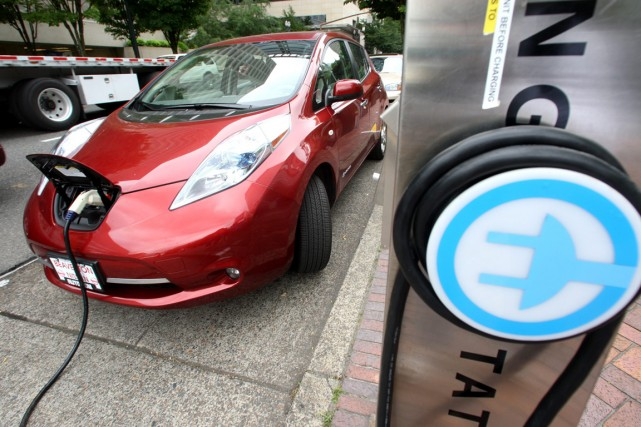 Nissan commercialise jusqu'à présent la voiture électriqueLeaf.... (PHOTO ARCHIVES ASSOCIATED PRESS)