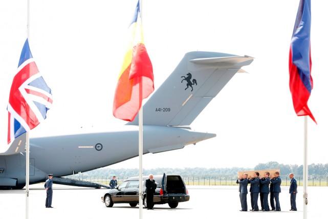 «L'avion a atterri» à l'aéroport d'Eindhoven, dans le... (PHOTO BAS CZERWINSKI, ANP, AGENCE FRANCE-PRESSE)