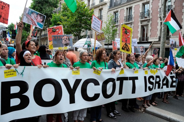 Manifestation propalestinienne à Paris, le 2 août dernier.... (PHOTO DOMINIQUE FAGET, ARCHIVES AGENCE FRANCE-PRESSE)
