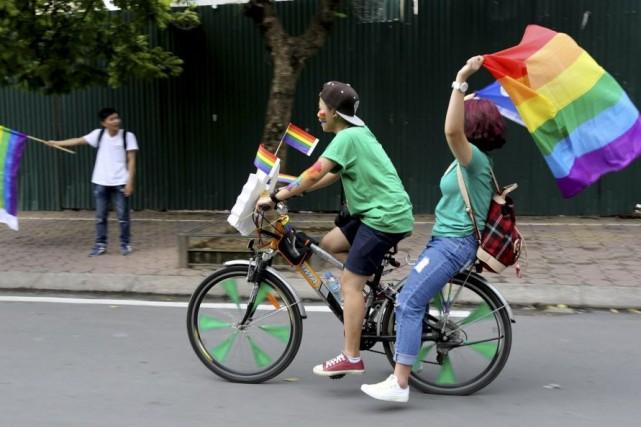Alors que l'homosexualité a longtemps été vue comme... (Photo Hau Dinh, AP)