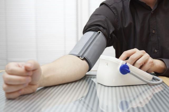 Le désir des médecins d'abaisser à tout prix la pression artérielle de leurs... (Photo Digital/Thinkstock)