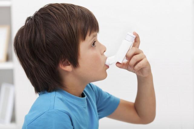 Les corticostéroïdes en inhalation sont prescrits comme traitements... (Photo Digital/Thinkstock)