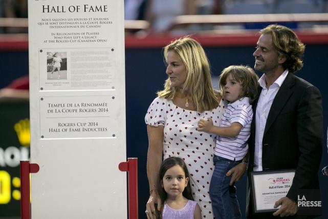 Arantxa Sánchez Vicario avec sa famille lors du... (PHOTO DAVID BOILY, LA PRESSE)