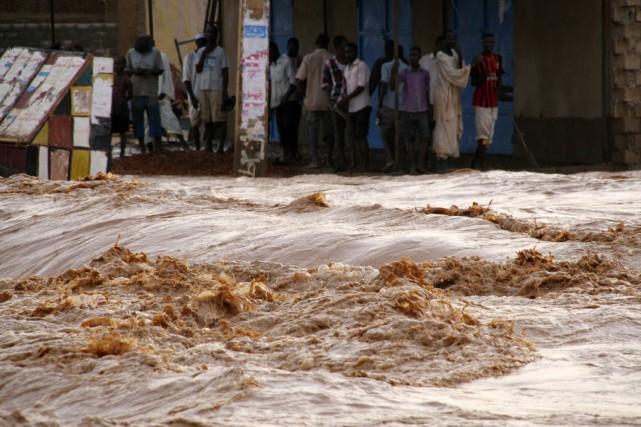 De récentes inondations au Soudan ont provoqué la... (PHOTO MOHAMED NURELDIN ABDALLAH, REUTERS)