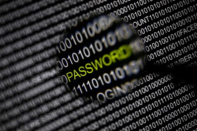 Un groupe de pirates informatiques russes s'est emparé d'environ 1,2 milliard... (Photo: Reuters)