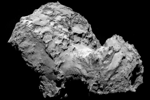Baptisée «Tchouri» par certains scientifiques, la comète file... (PHOTO AGENCE FRANCE-PRESSE)