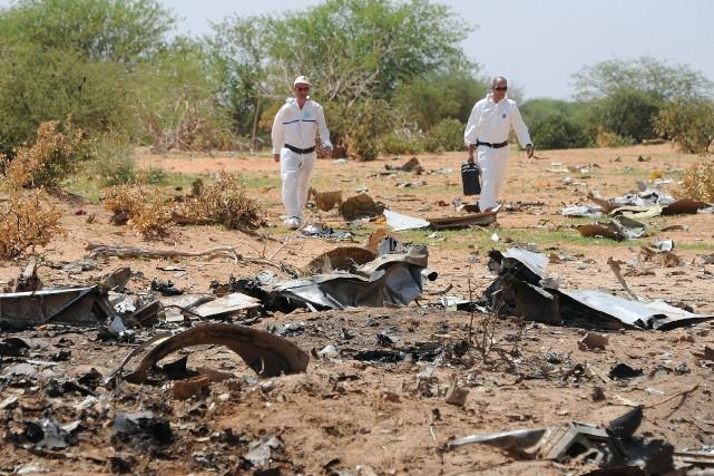 Les enquêteurs du BEA, un organisme public à... (Photo SIA KAMBOU, AFP)