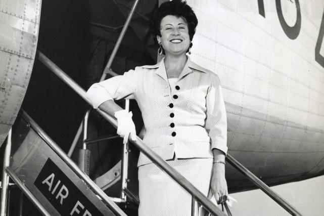 Yvette Giraud dans les années 50, à l'aéroport... (PHOTO AFP / STRINGER)