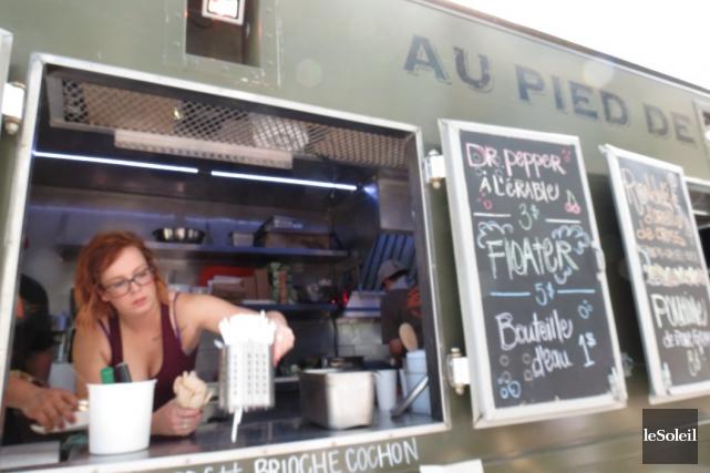 Le camion-restaurant Au Pied de Cochon... (Photothèque Le Soleil, collaboration spéciale Marie-Pier Cayer)