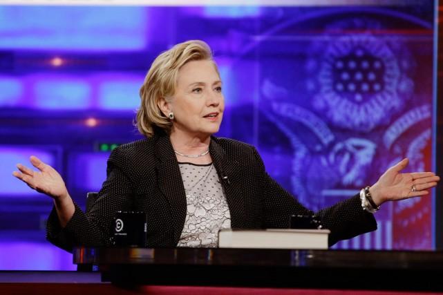 Hillary Clinton lors de son passage auDaily Show... (PHOTO FRANK FRANKLIN II, AP)