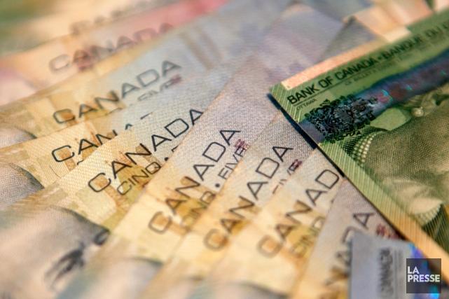 Les portefeuilles d'actions gagnent en valeur, l'épargne est... (Photo Ingolfur Juliusson, archives Reuters)