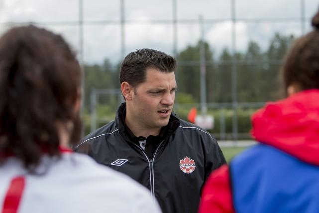 Misant sur la communication, Andrew Olivieri fait l'unanimité... (Photo fournie par Soccer Canada)