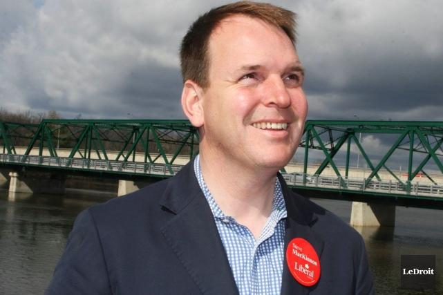 Steve MacKinnon de nouveau sur les rangs - 891604-ex-president-association-comte-plc