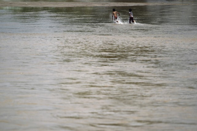 Quelque 20 000 habitants de sept villes du Mexique étaient mardi privés d'eau,... (Photo JORGE DAN LOPEZ, Reuters)
