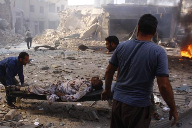 Les combats, qui durent depuis des mois, se... (Photo Reuters)