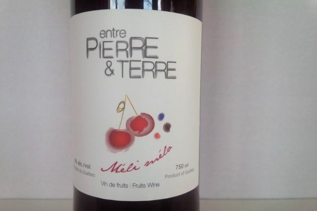 Il se produit de plus en plus de vins blancs et rouges au Québec, mais aussi... (Photo fournie par Chez Entre Pierre et Terre)