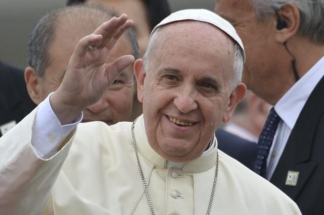 Le Pape lors de son arrivée à Séoul.... (Photo AFP)
