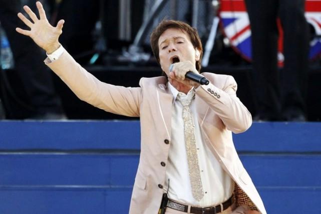 Cliff Richard en spectacle en juin 2012.... (Photo: archives Reuters)