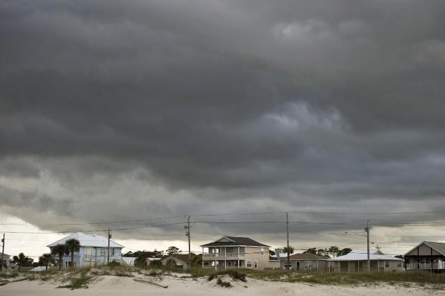 Sur notre photo, un ouragan se prépare au... (Photo Reuters)