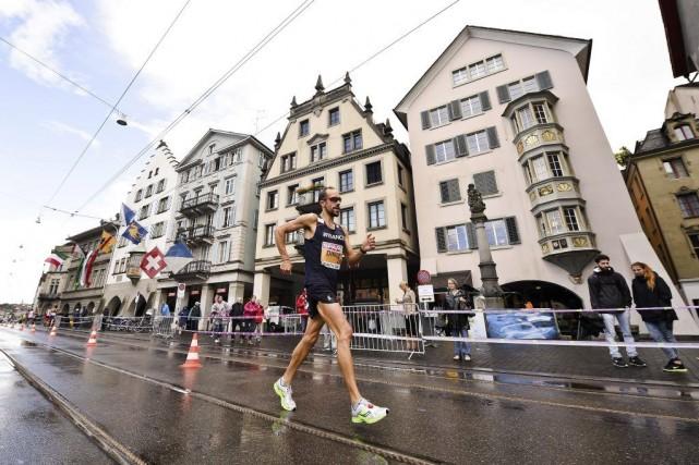 Le Français Yohann Diniz a décroché le titre... (PHOTO MICHAEL BUHOLZER, AFP)