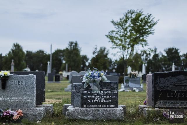 Plusieurs victimes de la tragédie sont enterrées au... (Photo Edouard Plante-Fréchette, La Presse)