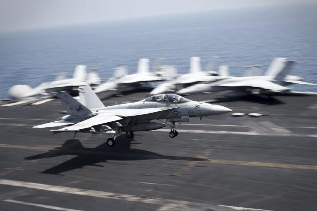 Un F/A-18C Hornet de la Marine américaine.... (PHOTO MOHAMMED AL-SHAIKH, AFP)
