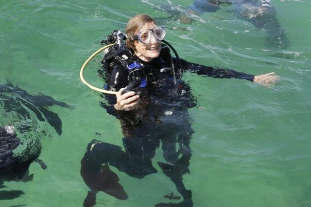 Âgée de 78 ans,Sylvia Earleplonge encore toutes les... (PHOTO ALAN DIAZ, AP)