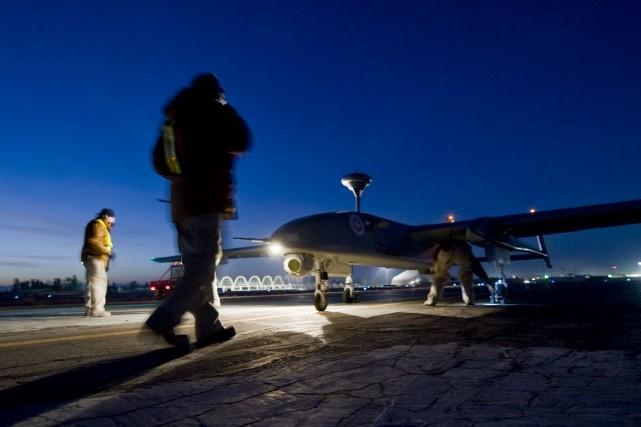 Un drone est lancé de la base canadienne... (Photo fournie par les Forces armées canadiennes, archives)