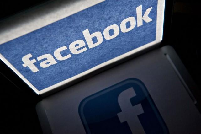 Le réseau social en ligne Facebook teste des manières d'indiquer à ses... (PHOTO BLOOMBERG)