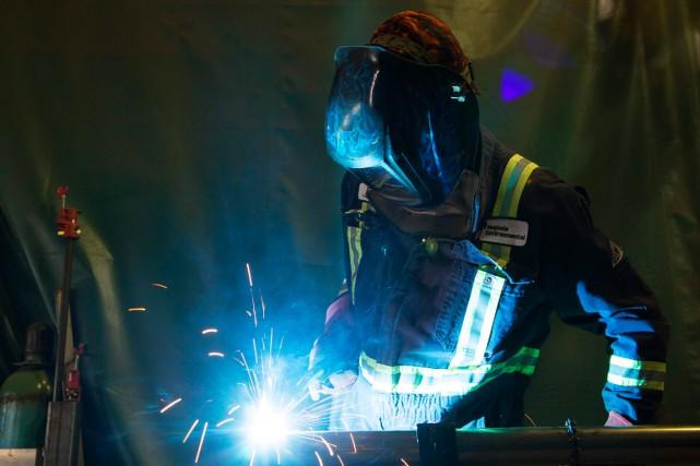 Le secteur de l'énergie continue de dominer au pays en ce qui a trait aux... (PHOTO TODD KOROL, ARCHIVES REUTERS)