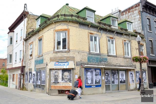 Quinze portraits de citoyens de Saint-Roch ont été... (Le Soleil, Yan Doublet)