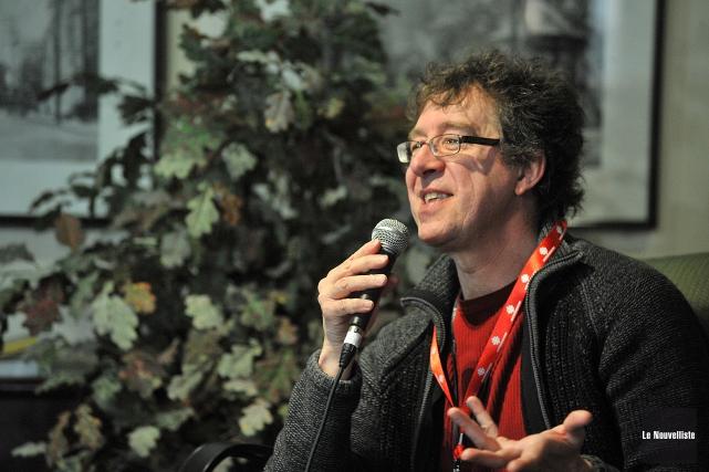 L'écrivain Joël Champetier, de Saint-Séverin-de-Proulxville.... (Photo: Stéphane Lessard Le Nouvelliste)