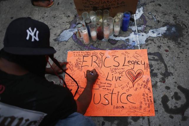 La mort d'Eric Garner, qualifiée d'homicide par le... (PHOTO EDUARDO MUNOZ, ARCHIVES REUTERS)