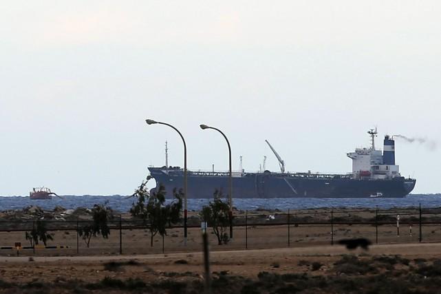 Un superpétrolier sous pavillon panaméen d'une capacité de... (PHOTO ESAM OMRAN AL-FETORI, REUTERS)