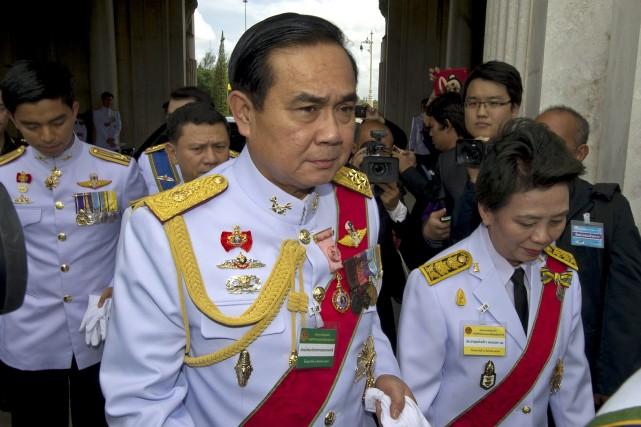 Legénéral Prayut Chan-O-Chan'avait pas hésité ces dernières années... (PHOTO PORNCHAI KITTIWONGSAKUL, AFP)