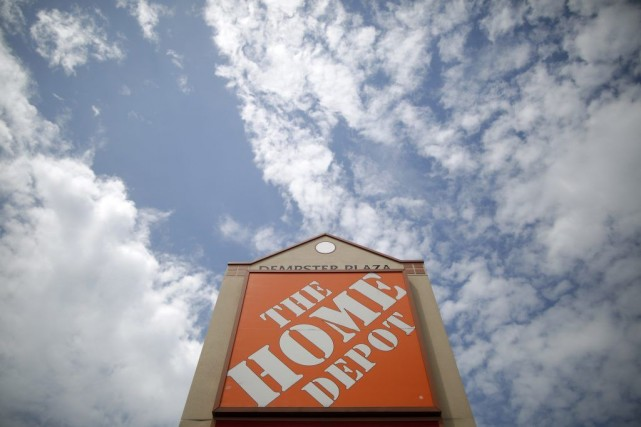 Établie à Atlanta, Home Depot est la plus... (PHOTO JIM YOUNG, ARCHIVES REUTERS)
