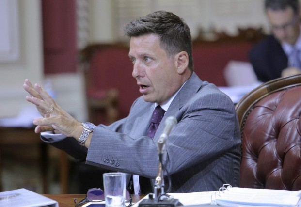 Le ministre des Affaires municipales, Pierre Moreau, a... (PHOTO FRANCIS VACHON, LA PRESSE CANADIENNE)