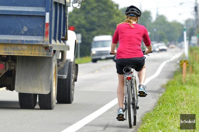 L'auteur rappelle que la route n'appartient pas seulement... (Photo Yan Doublet, Le Soleil)