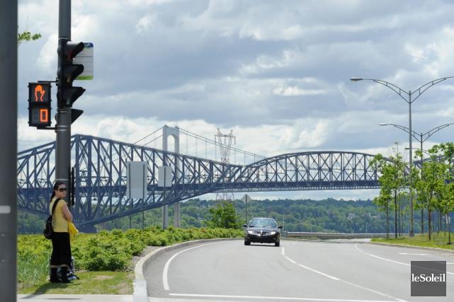 Sur une distance de 1,7 kilomètre jusqu'au pont... (Photothèque Le Soleil)