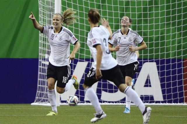 Un but de Lena Petermann dans les prolongations a permis à l'Allemagne de... (Photo Paul Chiasson, PC)