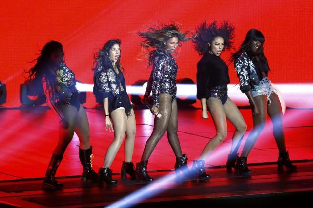 Beyoncé a offert une performance de 20 minutes.... (Photo MARIO ANZUONI, Reuters)