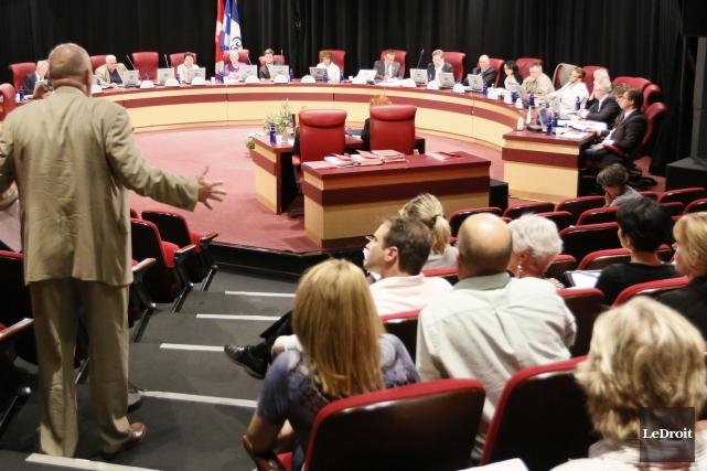 Le conseil de Gatineau a fait le bon choix en privilégiant les infrastructures.... (Archives, LeDroit)