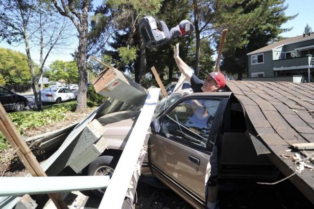 Un séisme d'une magnitude de 6 a fait... (PHOTO Josh Edelson, AFP)